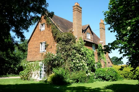 Listed 200 Year Old Farmhouse  - Burnham - Bed & Breakfast