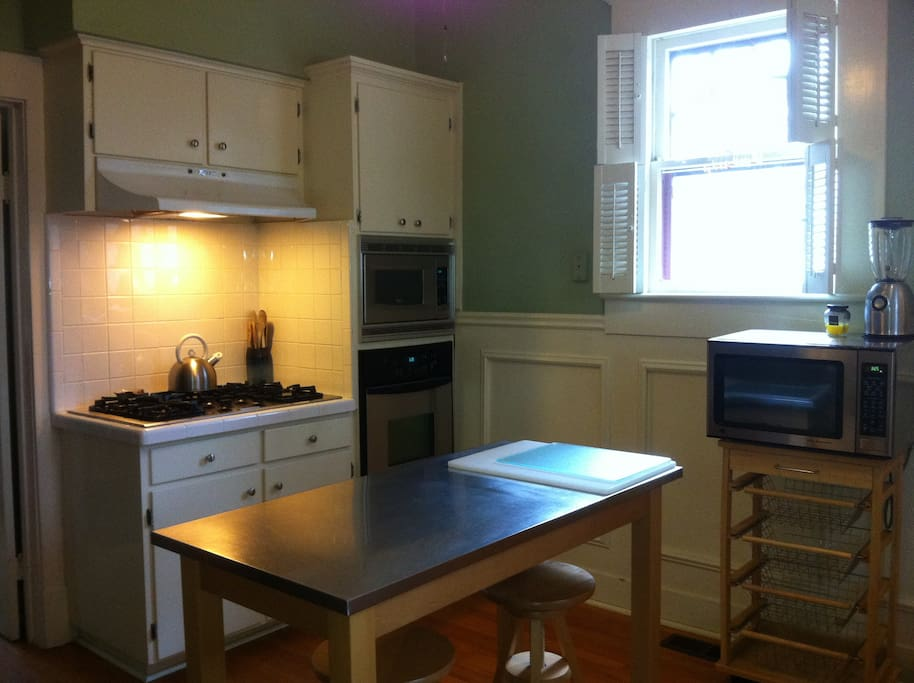 5 burner gas stove, electric oven, built in microwave