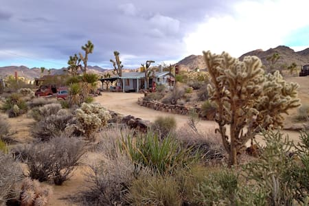 Bungalow in the Boulders Bottlerock - Joshua Tree
