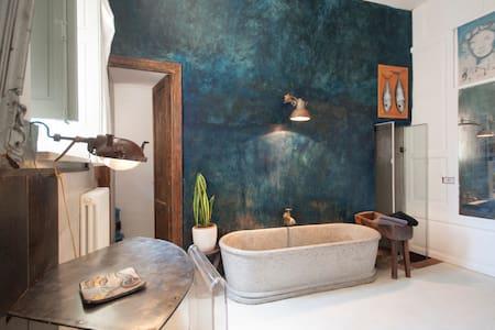 """Stanza della """"Cisterna""""Casa Faranda - House"""