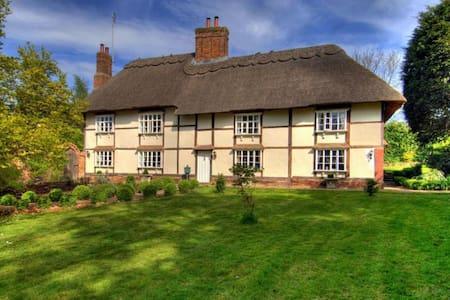 Manor Farmhouse  - Huis