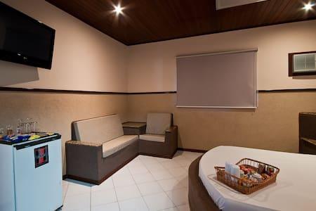 Apartamentos com Hidro e Ar Condicionado - Bed & Breakfast
