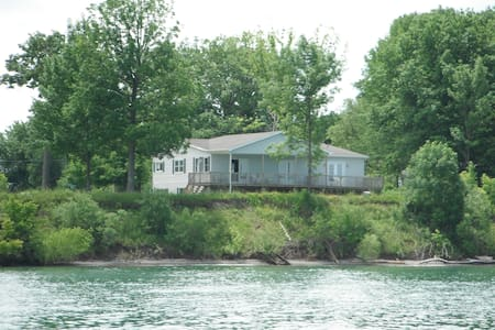 House on the shores of Lake Ontario - Youngstown - Dom