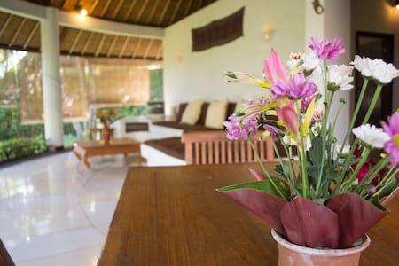 1 tropical 3 bedroom villa - North Kuta - Villa