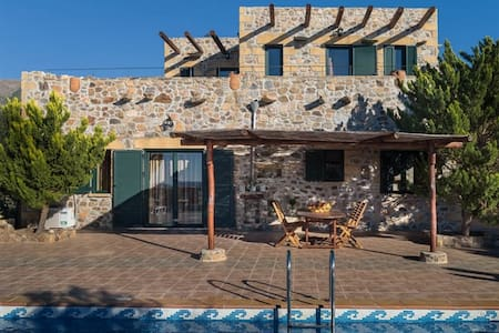 4bedroom luxury villa in Elafonisos, Kimothoe - La Canea