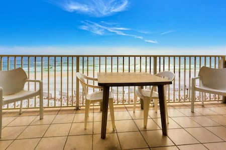Beach Front Condo, Spectacular View - アパート