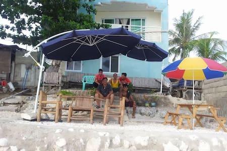 Malapascua Beach Front six rooms - Daanbantayan