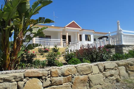 Villa Nicolparis - Peyia