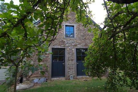 Beau-Séjour - maison ancienne, restaurée design - - Hus