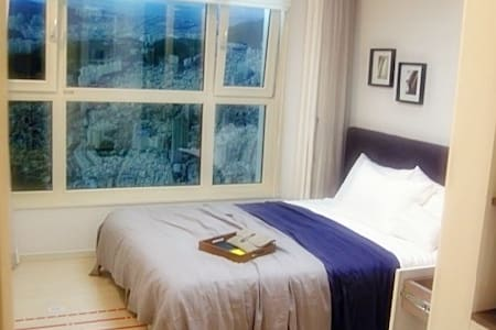 ★New built Apt (2 rooms, 4beds)- 2min to 개금 Metro★ - Apartment