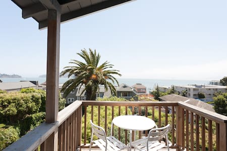 Perched Sausalito Paradise! VIEWS!