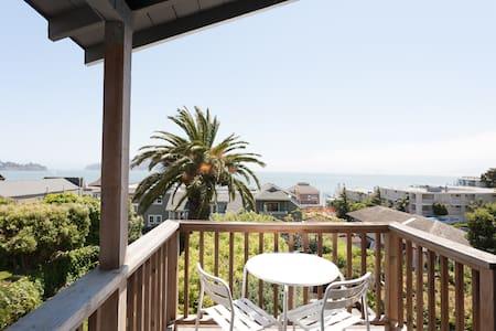 Perched Sausalito Paradise! VIEWS! - Sausalito