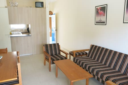 Just Few Minutes Walk To The Beach - Apartment
