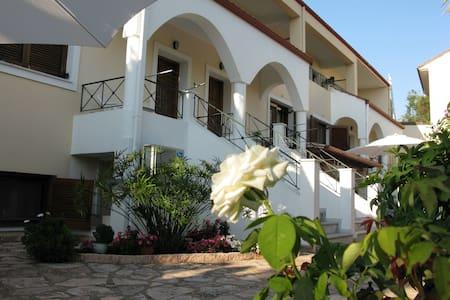 Villa Aloe Apartmernts - Daire