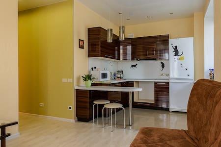 Сдам посуточно двухкомнатную кварти - Kirov - Appartement