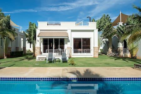 #20 Two bed / two bath Luxurious Poolside Villa - Villa