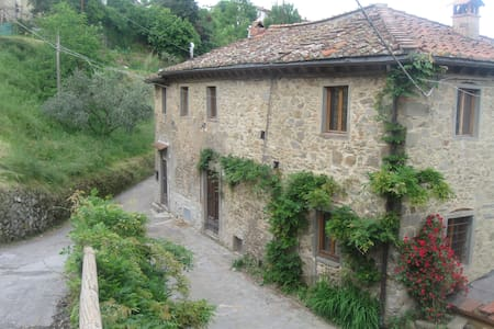 Beautiful Farmhouse in Mountains - Bagni di Lucca