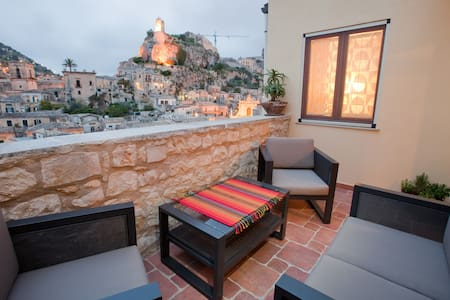 Beautifully restored heritage home  - Modica - House