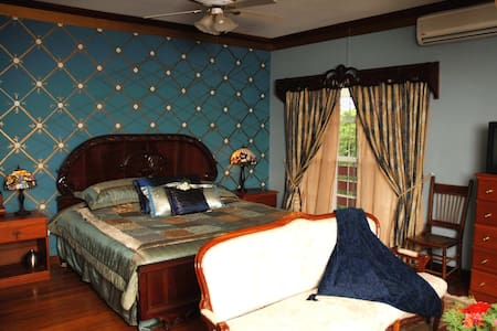Dove Nest - Bed & Breakfast