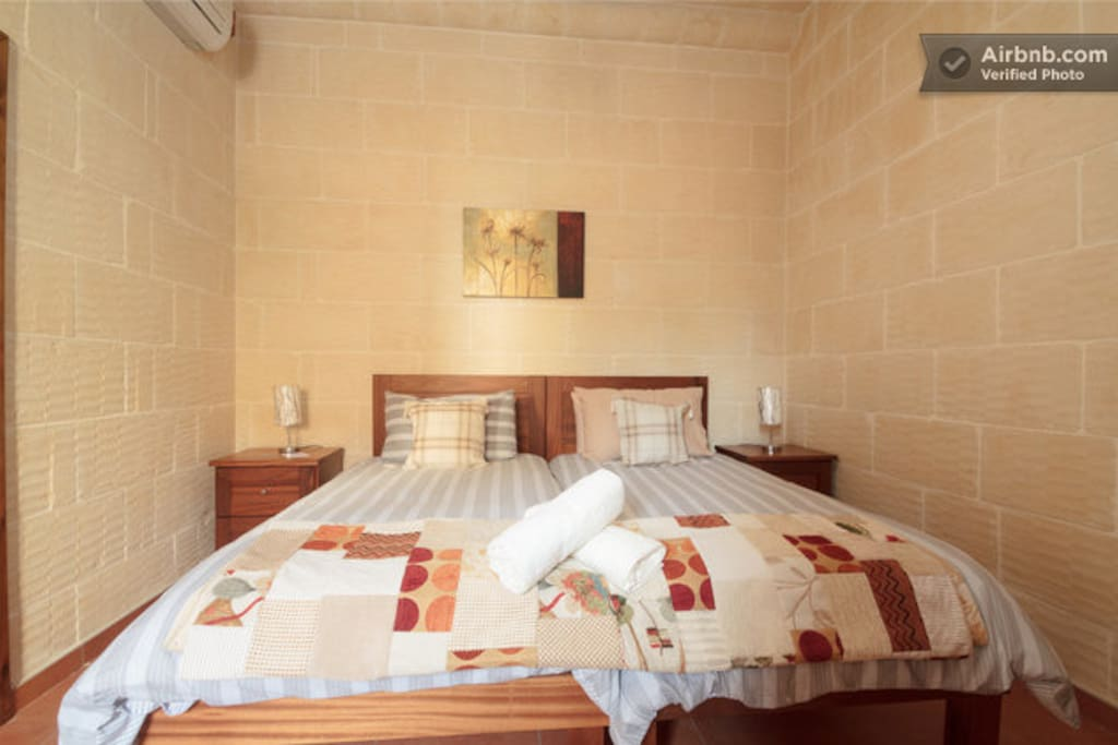 This is the twin single bedroom which accomodates 2 people. There is an en-suite shower room. Wi-Fi connections are available. This room overlooks the pool courtyard.