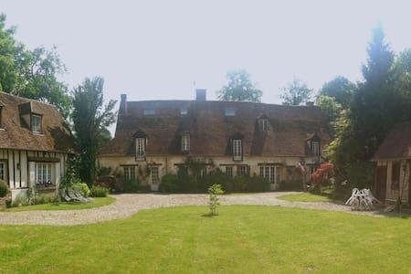 Le Moulin de Troissereux - Troissereux - Bed & Breakfast