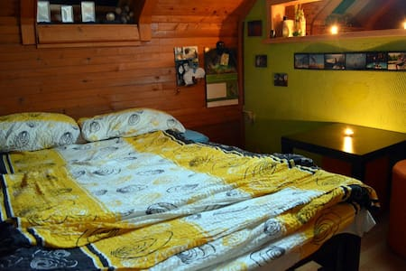 Fully Furnished NEW Attic Apartment - under Alps - Appartamento
