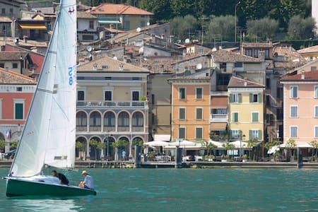 Apartment Centomiglia Lake Garda - Apartment
