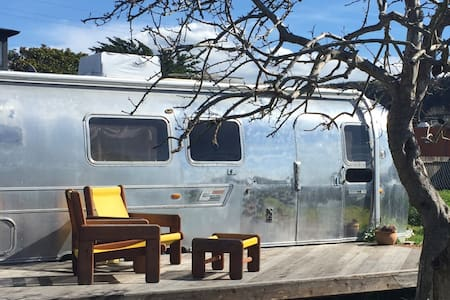 Pescadero Airstream Bed and Bicycle