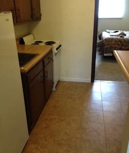 TURN KEY 1 Bed/1 Bath Apartment --- - Apartment