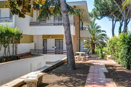 Room type: Entire home/apt Property type: House Accommodates: 7 Bedrooms: 7 Bathrooms: 4