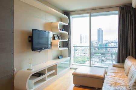 1 BR condominium center BKK +WiFi - Bangkok - Lägenhet