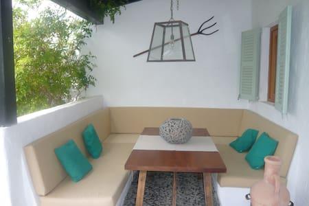Casa adosada en Formentera - Talo