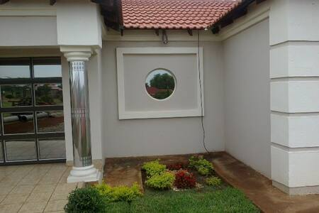 Place to stay in Rustenburg,Phokeng - Ga-Luka - Maison