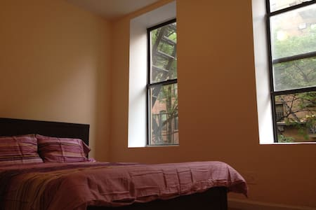 2BR Between Times Sq & Central Park