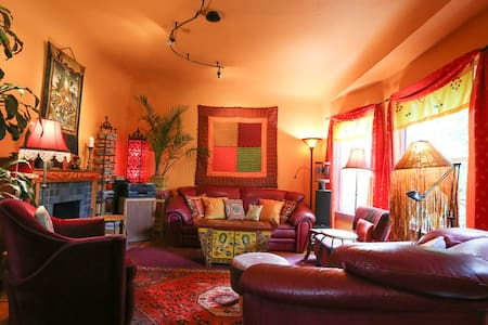 2 Bedrooms in Colorful Vintage Home - House