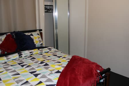 Double Bedroom in Forrestfield - House
