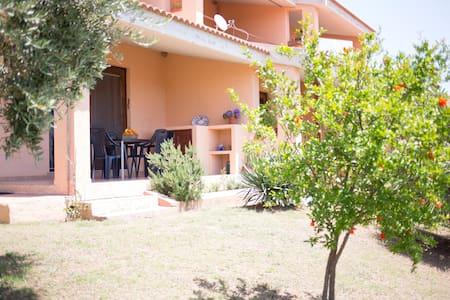 House with garden in Porto Corallo - Villaputzu