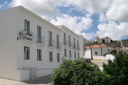 House with secure parking in Obidos