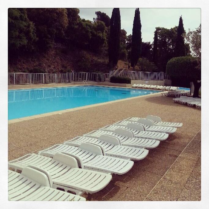La piscine surveillée du club