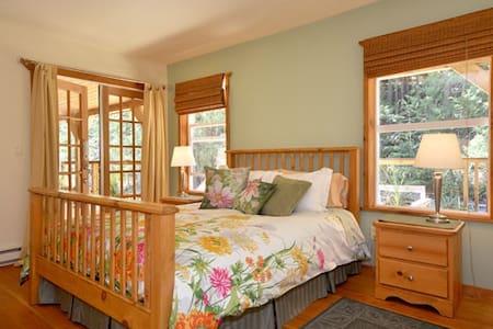 Francis Point B&B, Parkview Suite - Szoba reggelivel