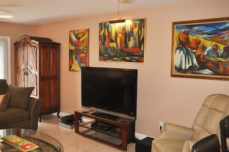 Miami - Large Private Room W/Bath