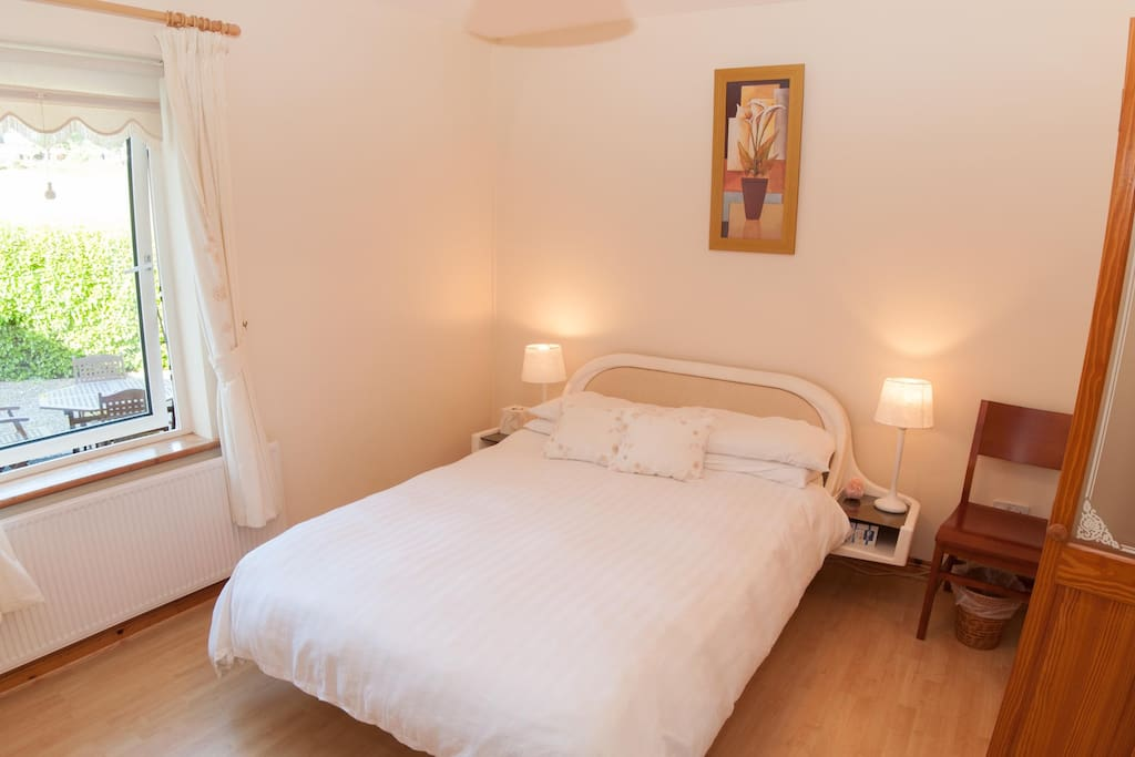Sonas B & B Double en-suite room with electric shower