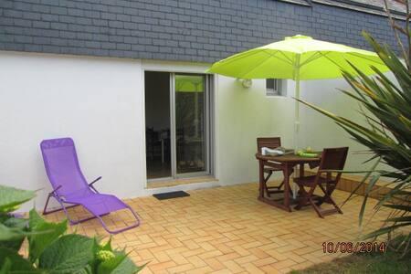studio avec jardin,300m de la plage - Wohnung