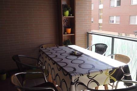 Habitación en piso compartido - Appartamento