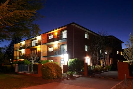 Oxley Court Serviced Apartments 2 - Flat