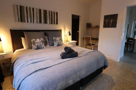 WaterDragon Studio Apartment - Apartment