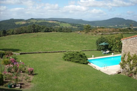 Maison avec vue panoramique piscine - House
