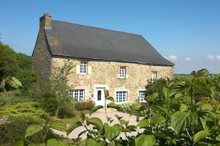 Chambres d'hôtes entre mer et campagne en Bretagne - Gjestehus