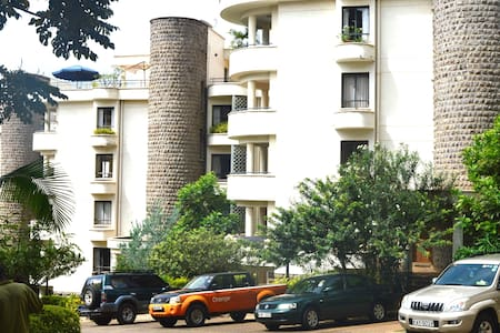 Room type: Entire home/apt Property type: Apartment Accommodates: 5 Bedrooms: 3 Bathrooms: 2