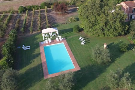 Charming Tuscan Villa for10+2 with pool near Lucca - Castelfranco di Sotto